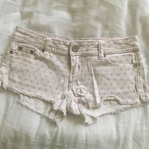 Pink pok-a-dot shorts🛍